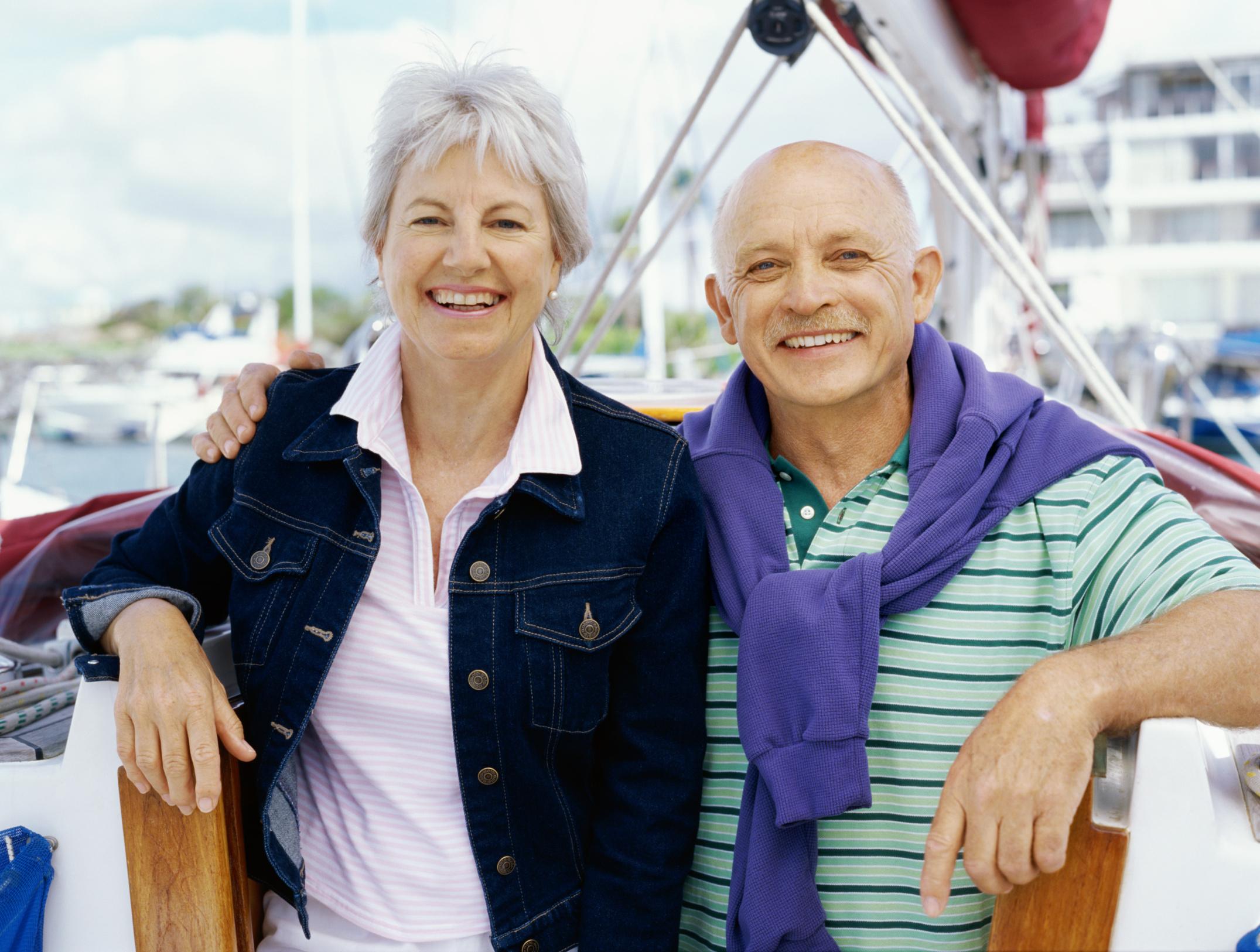 Prendas adecuadas para personas adultas mayores salud180 for Sillon alto para personas mayores