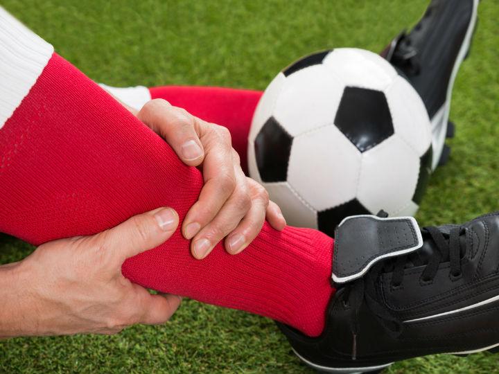 Lesiones deportivas más comunes en el fútbol y su tratamiento
