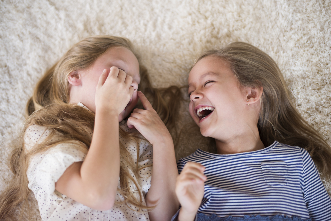 Estos son los beneficios de tener una hermana, ¡científicamente comprobado!