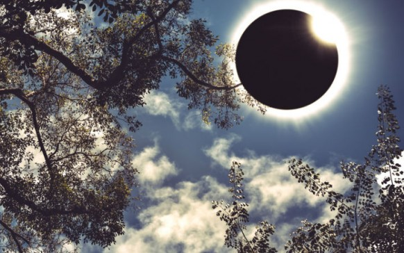 Así se daña tu vista si ves el eclipse solar directamente