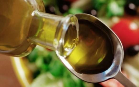 Aceite de oliva y limón en ayunas para adelgazar