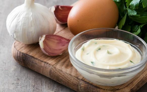 Increíbles usos de la mayonesa fuera de la cocina