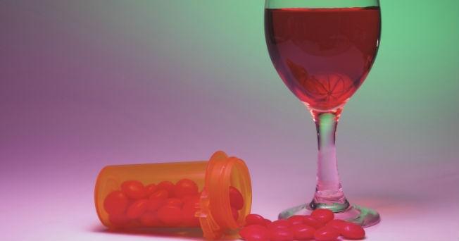 La clínica por el tratamiento de la dependencia alcohólica en ekaterinburge