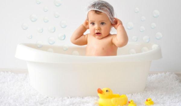 5 claves para elegir la mejor ba era para tu beb salud180 for Banera bebe para banera