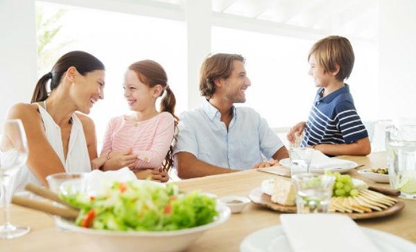 C mo armar un men saludable para tu familia salud180 for Menu para comida familiar