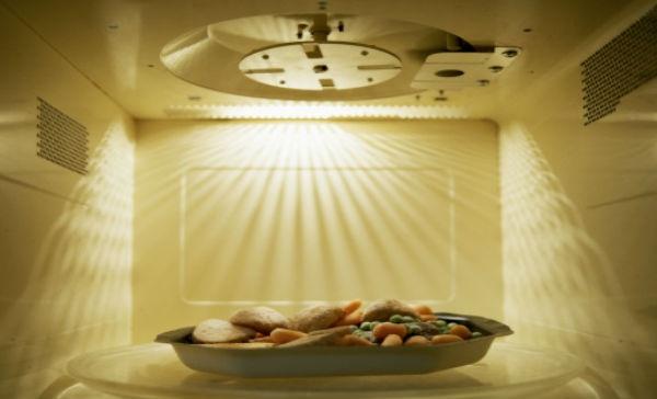 C mo el microondas afecta la comida salud180 - Cocinar en el microondas ...