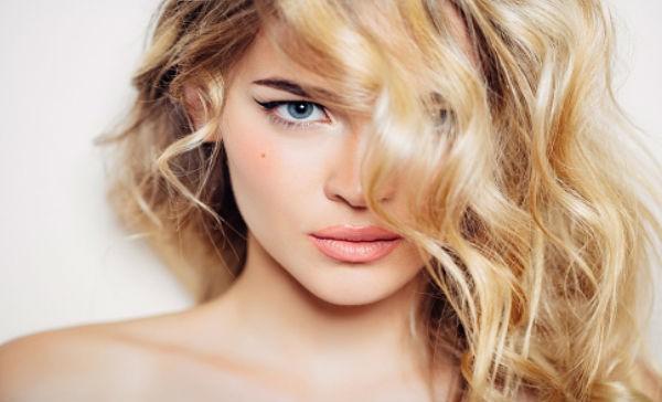 Las personas guapas tiene menos pegue? | Salud180