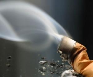 Humo del cigarro en los ojos ¡Cuidado!