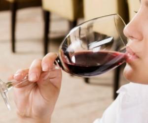 Rutina de ejercicio en casa para estar en forma salud180 for Copa vino tinto