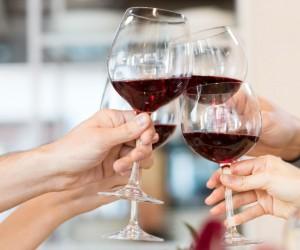 Una copa de vino tinto equivale a una hora de ejercicio