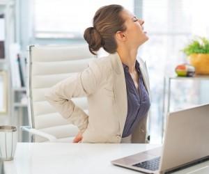 ¿Cómo aliviar el dolor de espalda en la oficina?