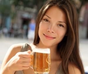 Cerveza podría prevenir osteoporosis