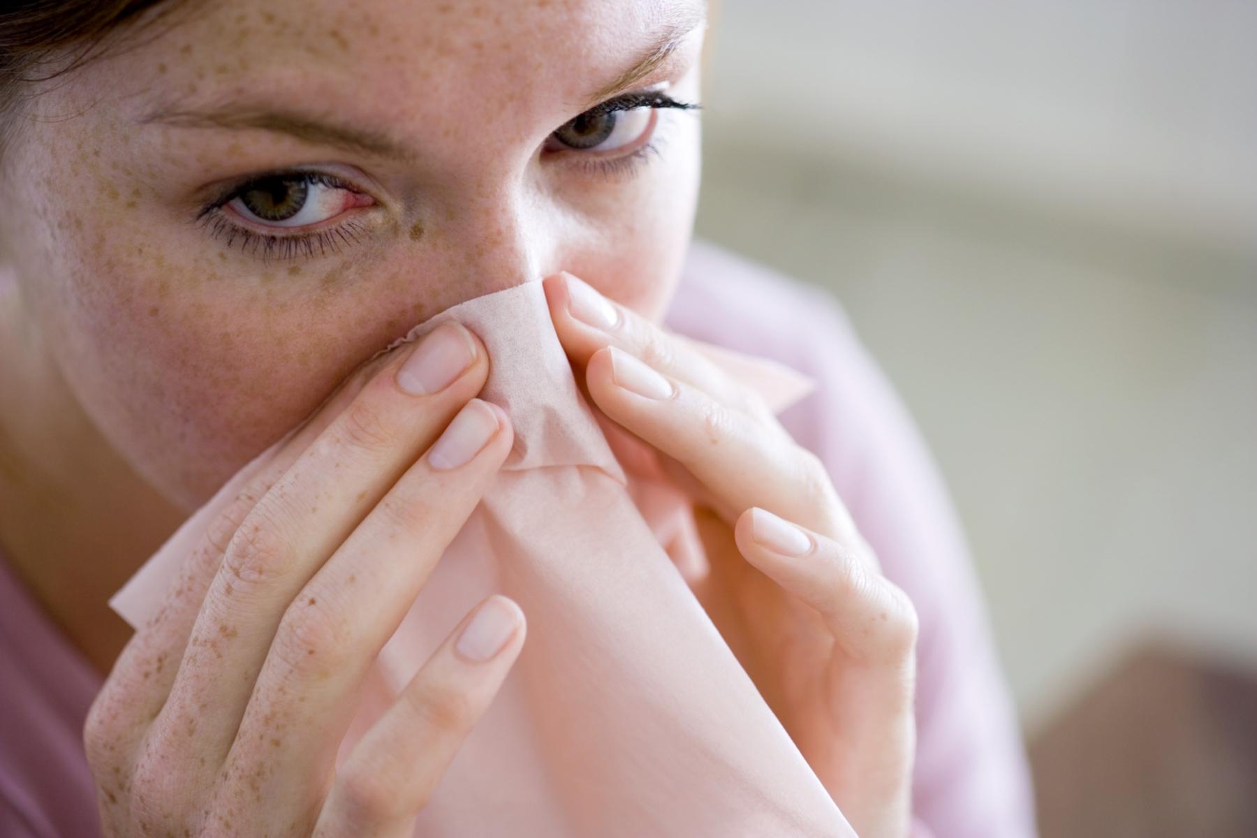 Как лечить насморк и горло в домашних условиях