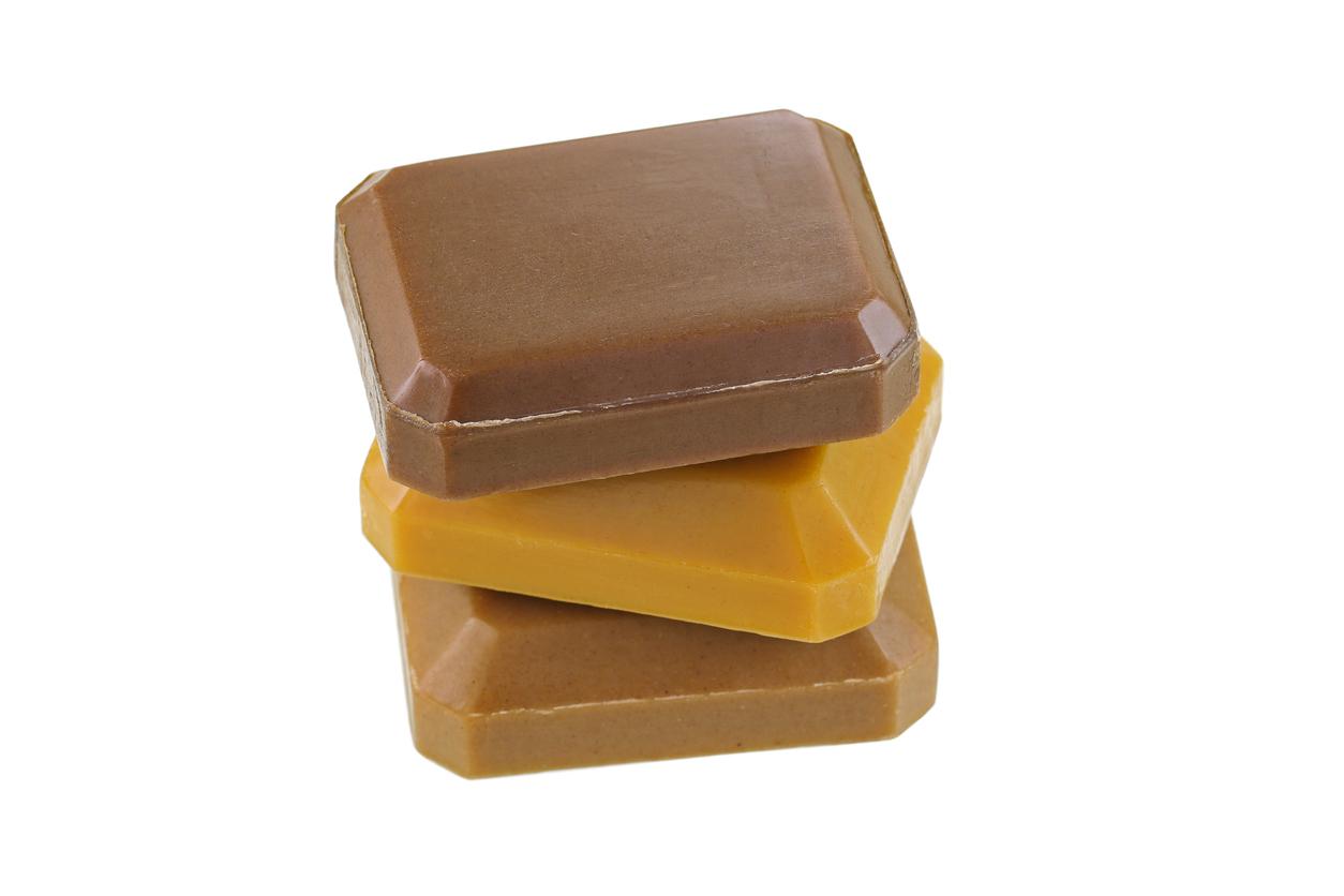 como-preparar-un-jabon-de-curcuma-y-jengibre-para-eliminar-manchas-acne-y-arrugas-de-tu-rostro-salud180.