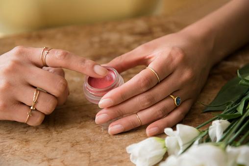 cómo hacer bálsamo labial
