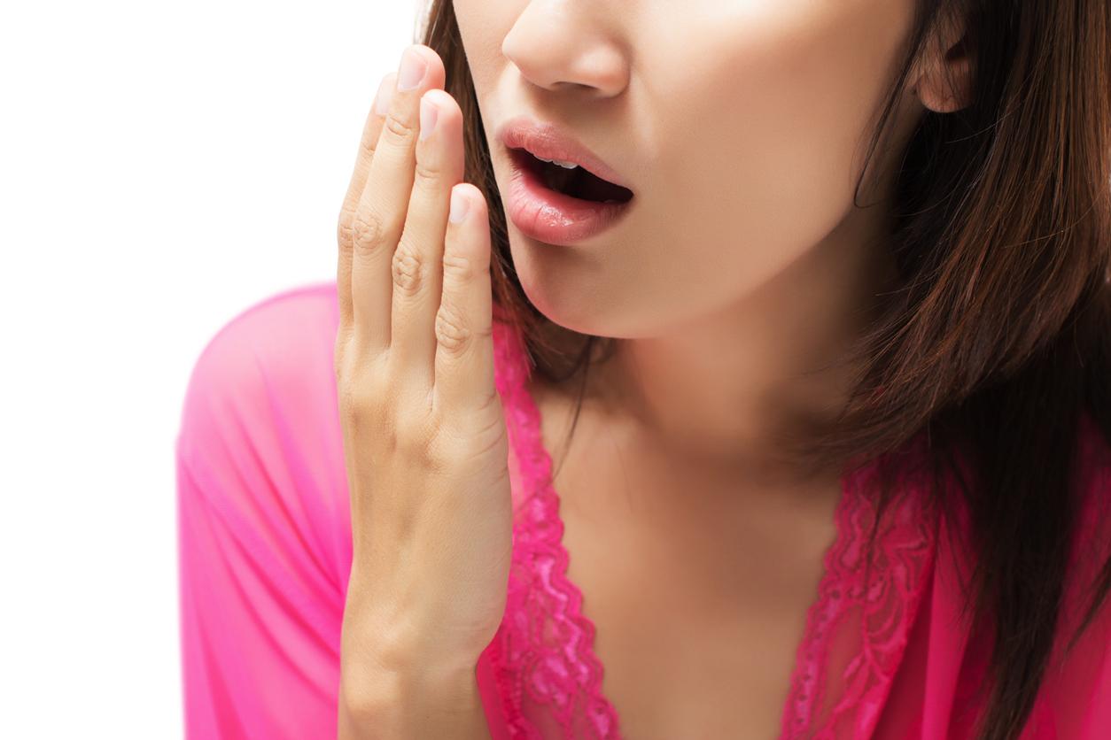 Enfermedades del estómago que producen mala aliento.