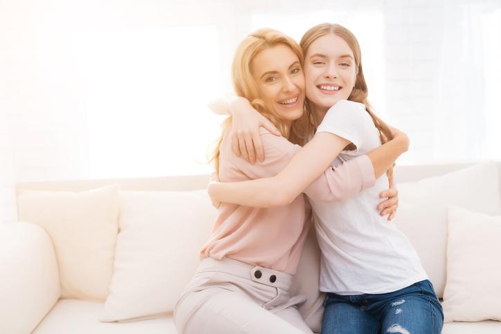 Escuchar la voz de tu madre por teléfono equivale a un abrazo