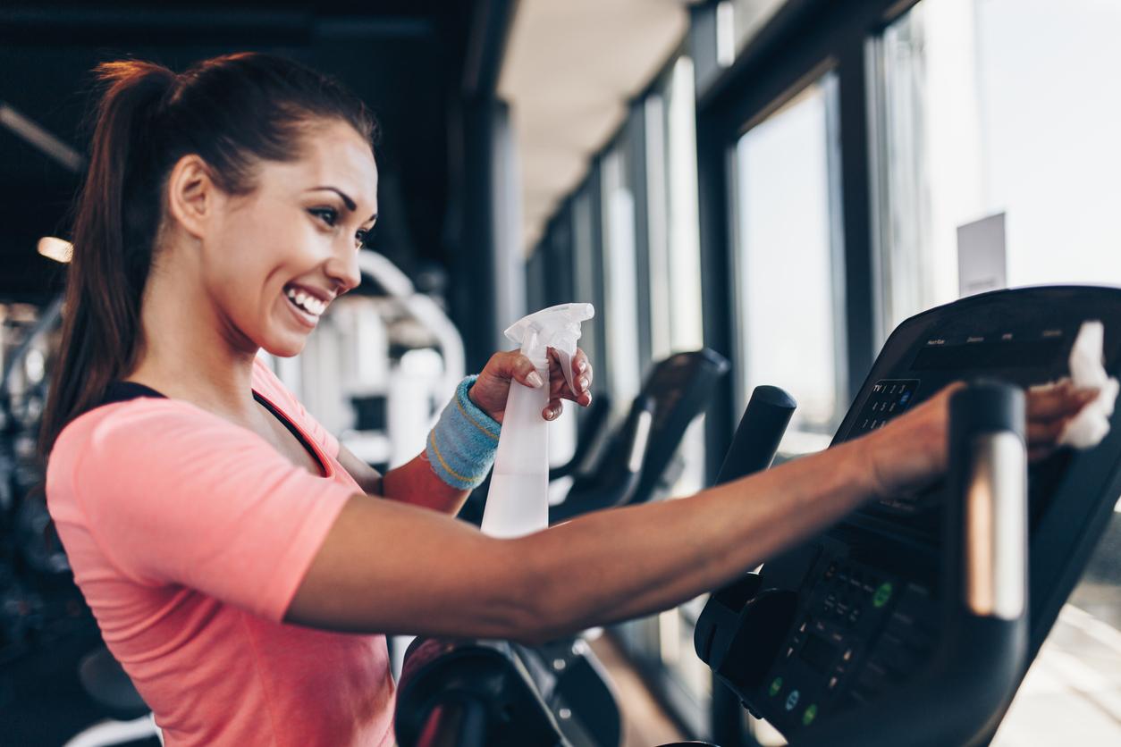 esto-que-haces-en-el-gym-podria-enfermarte-sudaras-de-miedo-salud180
