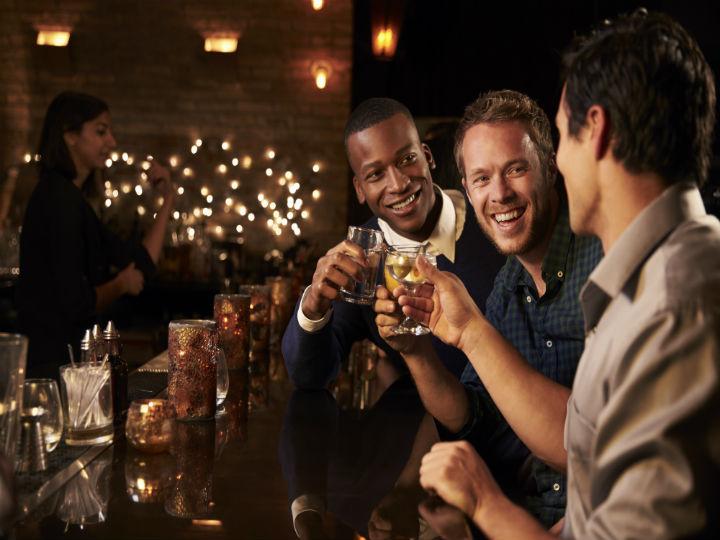 estudio_afirma_que_hombres_se_sienten_atraidos_por_otros_hombres_salud180_1.jpg