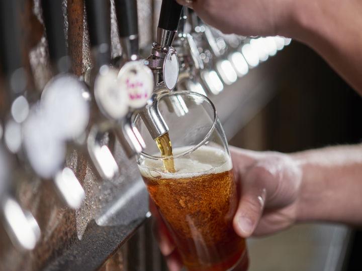 estudio_cientfico_aseguran_que_la_cerveza_es_mejor_que_el_vino_salud180.jpg