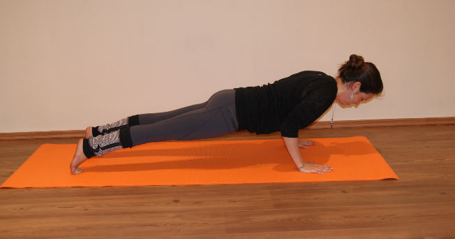 11 Posturas B 225 Sicas Para Practicar Yoga Salud180