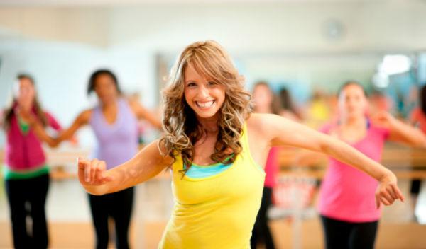 Clase de aerobic completa para adelgazar