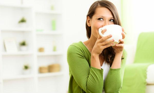 Disfruta de una taza de café y quema grasa/ Fuente: Getty Image