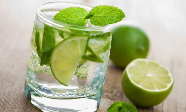 el agua tibia con limon quema grasa abdominal