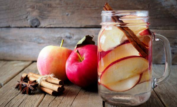 Agua canela miel y vinagre de manzana