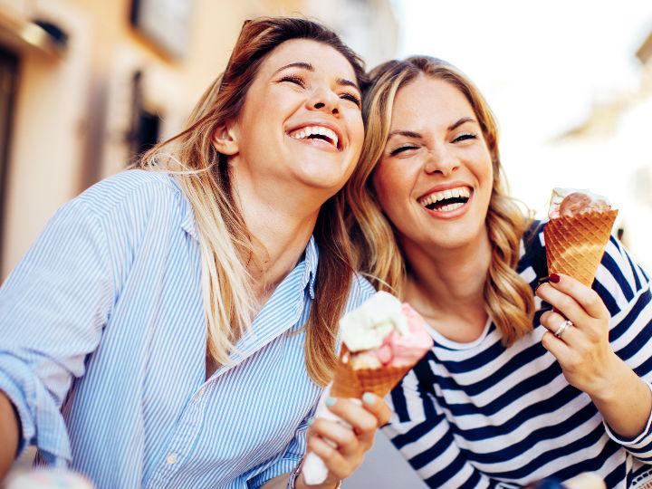 Comer helado de chocolate te hace ser feliz