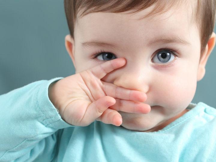 """La importancia de quitarle """"los moquitos"""" a tu bebé"""