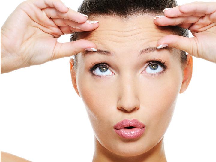 Arrugas revelan la salud de los huesos en la mujer