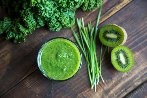 Otra recetas de jugos naturales para bajar de peso y quemar grasa tanto, importante