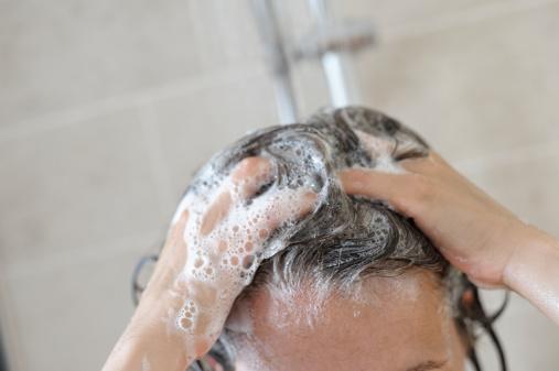 cómo-hacer-shampoo-de-café