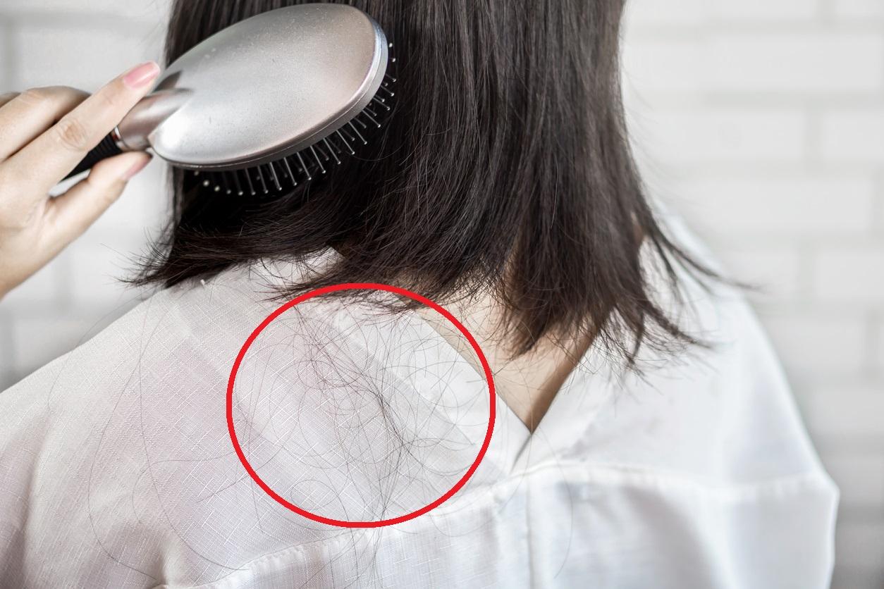 Hábitos que dañan tu cabello y hacen que se caiga más rápido