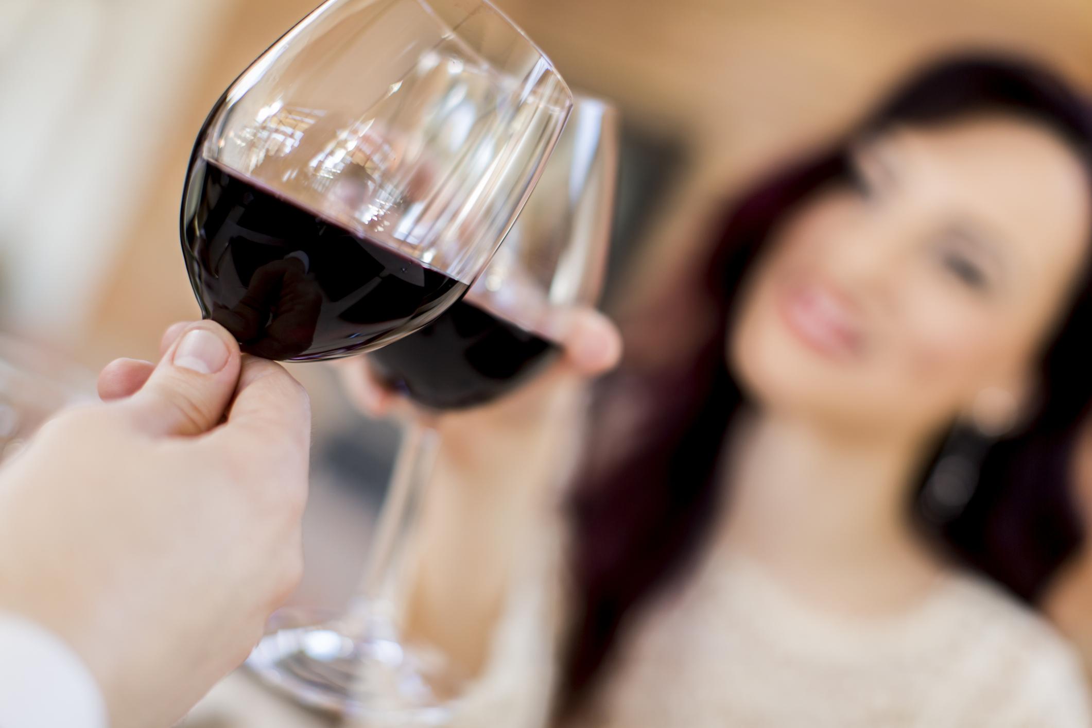 tomar vino es bueno para la salud