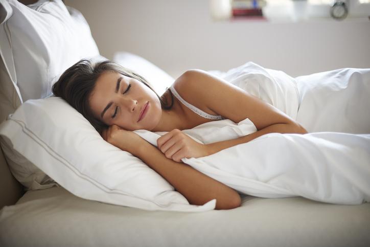 dormir con un jabón debajo de la almohada