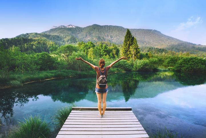 Viajar produce más felicidad que casarse y tener hijos