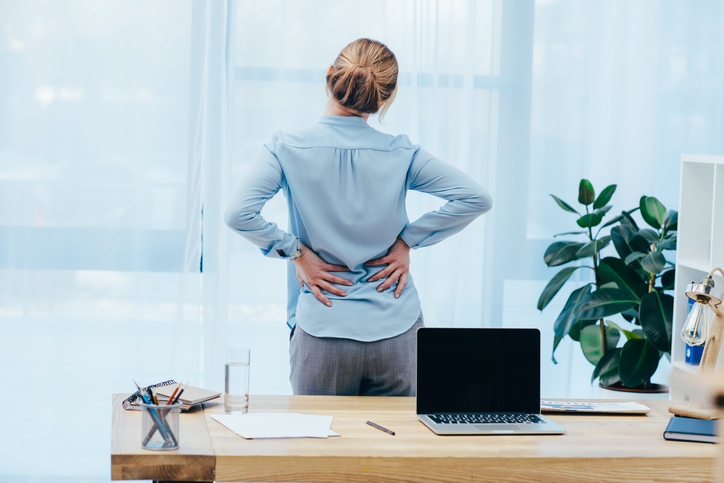 Hábitos que afectan tu espalda casi sin darte cuenta