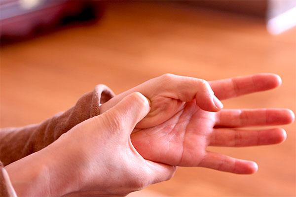 dolor en pulgar mano izquierda