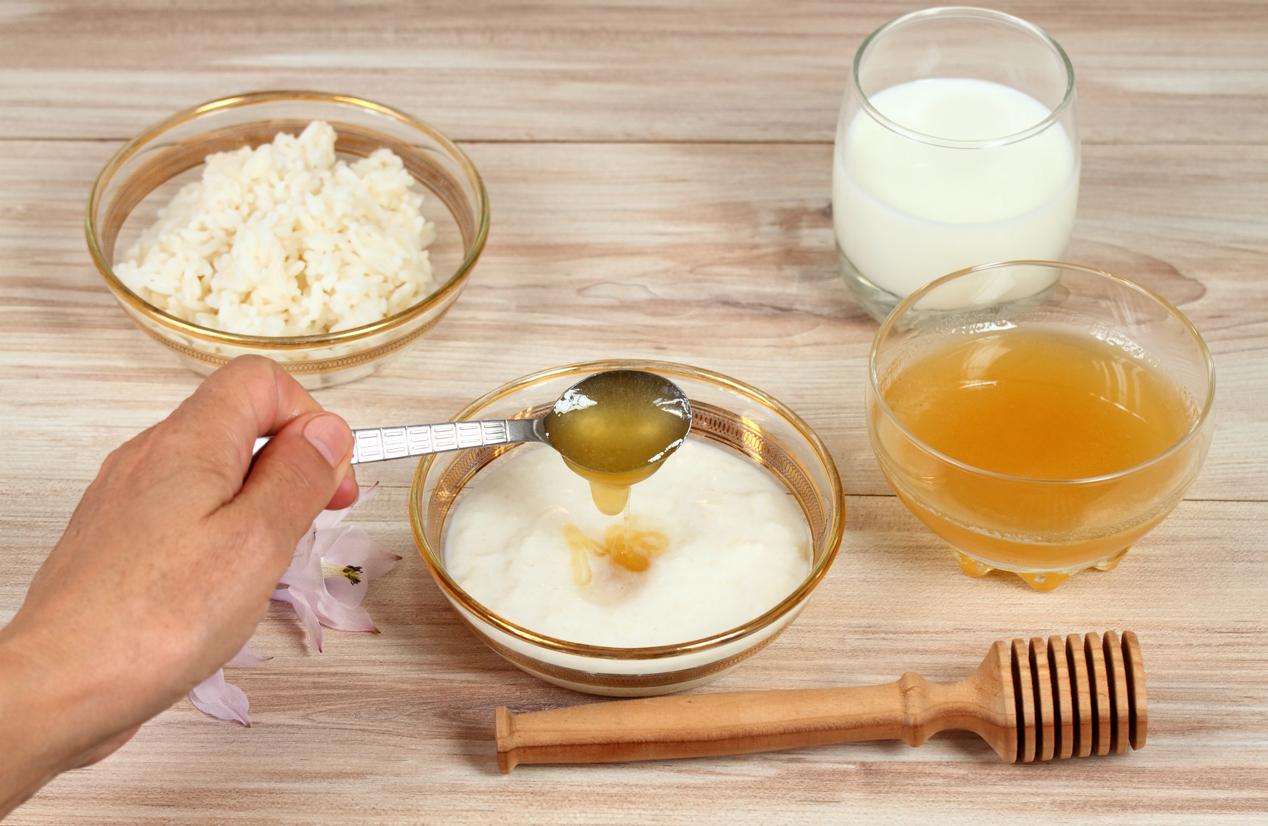 Exfoliante de avena y miel para hidratar, suavizar y eliminar granos en los brazos
