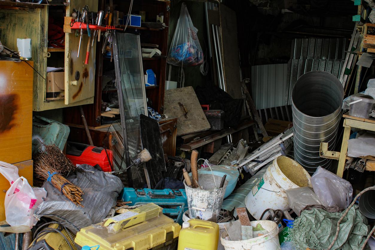 Síndrome de Diógenes: cuando acumulas objetos sin valor por autoabandono