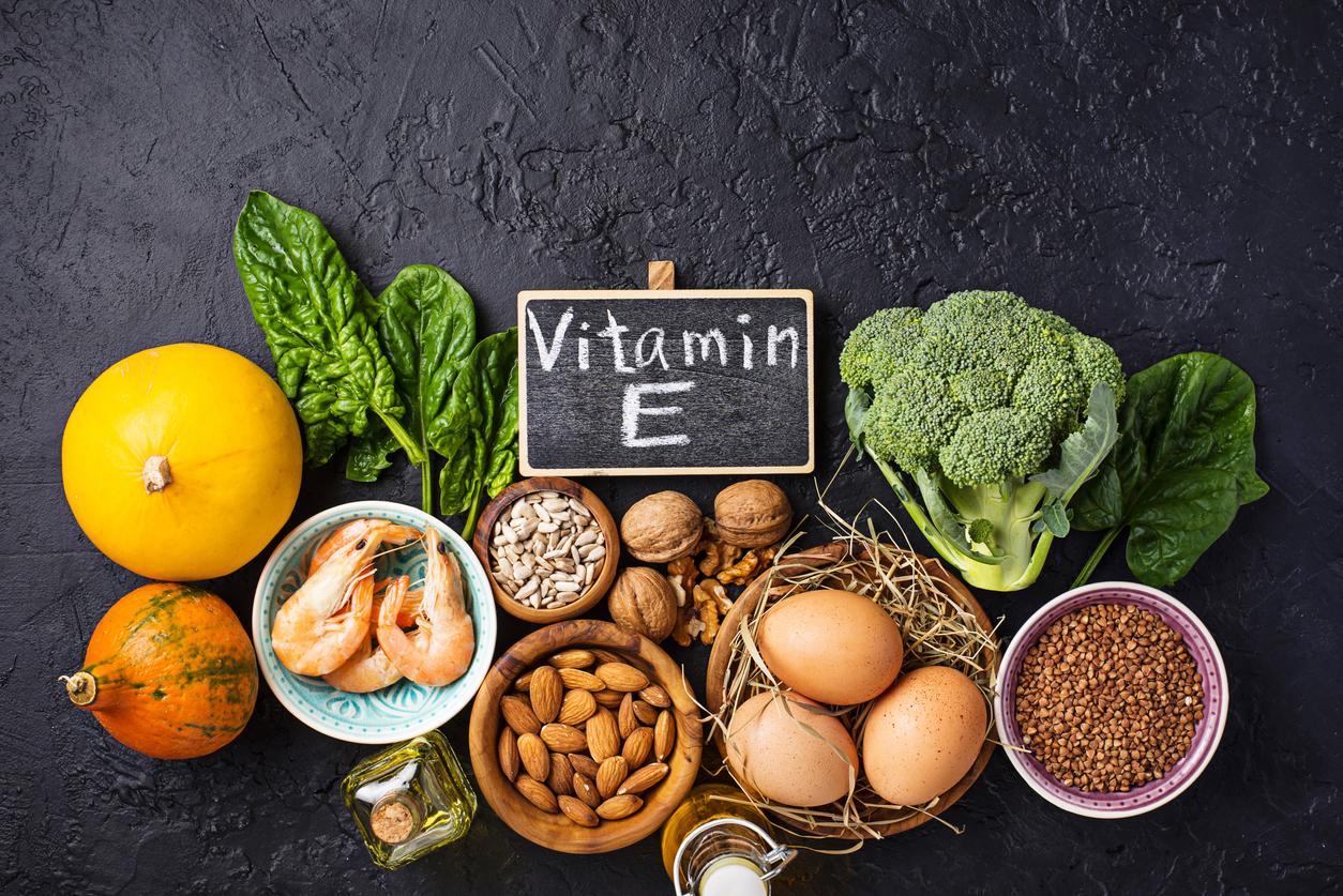 si_no_quieres_que_la_menopausia_te_pegue_tanto_no_olvides_tomar_estas_vitaminas_salud180