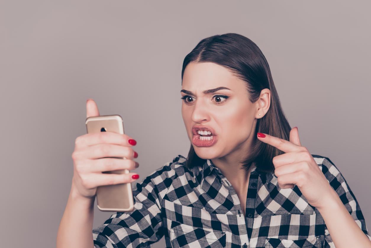si tu pareja lee los mensajes que le envías a tus amigos