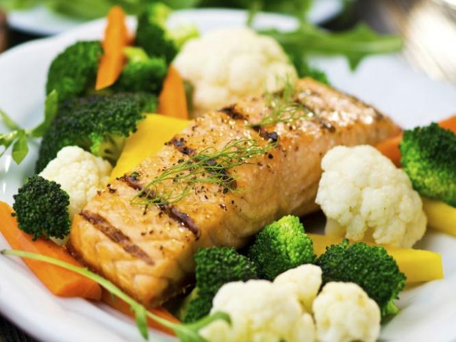 Resultado de imagen para filetes de pescado  al horno con vegetales