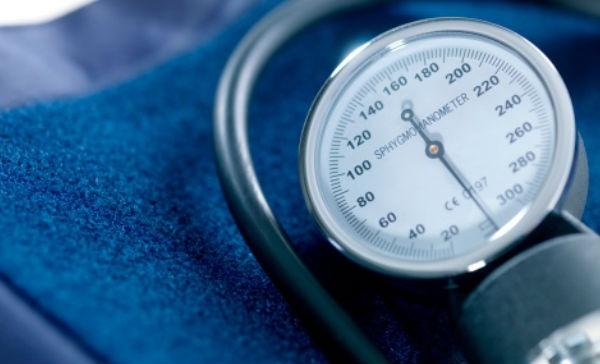 Cómo la presión arterial alta afecta la visión