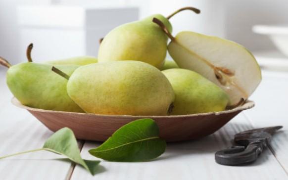 7 beneficios del agua de pera (TE SORPRENDERÁ)