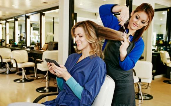 7 peligros que puedes encontrar en un salón de belleza