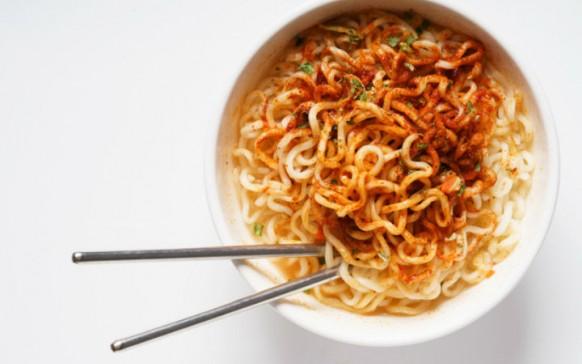 Esto es lo que pueden provocarte los camarones de tu sopa instantánea