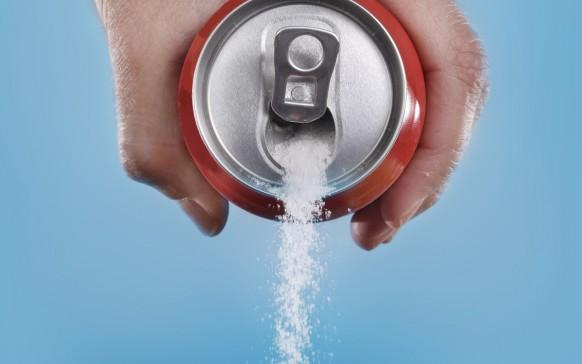 Beber dos bebidas light al día aumenta riesgo de ataque cardíaco en las mujeres